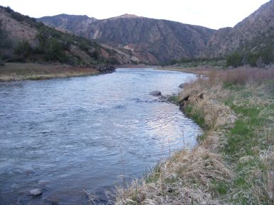 The Gunnison River upstream flows in from the right. Long Gulch is to the left