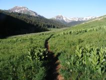 Westbound on the West Maroon Pass Trail