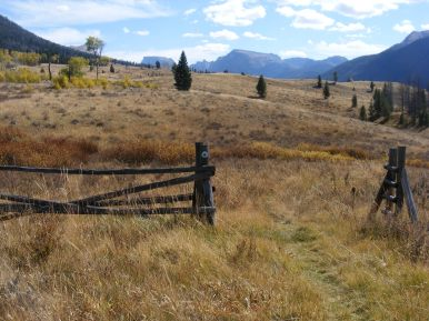 Along the Highline Trail, here part of the Continental Divide Trail, looking back towards Squaretop Mountain