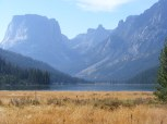 A fine view of Upper Green River Lake and Squaretop Mountain