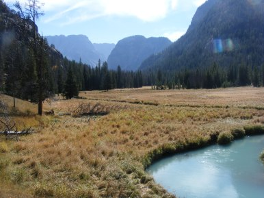 The upper Green River flows from the distant peaks of the Wind River Range