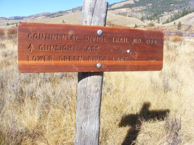 Signage near the Green River Lakes Trailhead