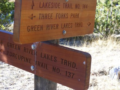 Trail junction between the two Green River Lakes