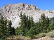 Rocky outcropping and sub-alpine forest in Horn Fork Basin