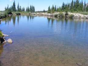 Pond on the rim of The Flat Tops, near East Marvine Creek