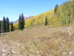 Looking back along the Carbon Trail No. 436, the Anthracite Range on the right