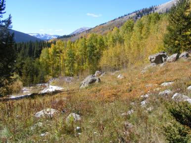 Looking west from the southern flank of Gibson Ridge, West Elk Mountains to the left and Anthracite Range to the right