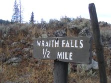 Trailhead for Wraith Falls in Yellowstone National Park