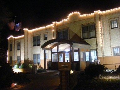 Nighttime lights at the Thermopolis Best Western