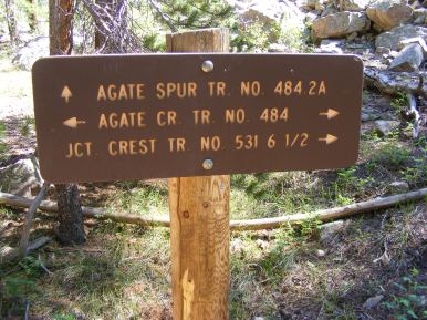 Signage for the lower terminus of the Agate Spur Trail No. 484.2A
