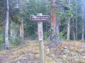 Signage for the Daisy Pass Trail No. 404
