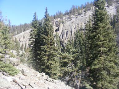 Hoodoos on the eastern bank of Beaver Creek