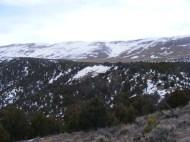 Approaching the bench below Limestone Ridge
